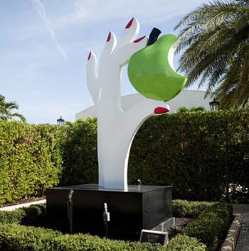eves apple sculpture