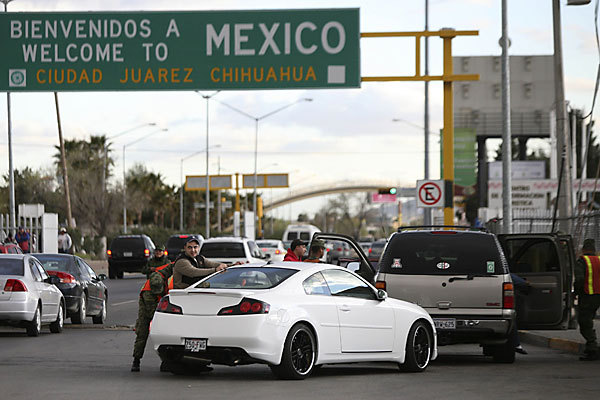 Juarex mexico border checkpoint