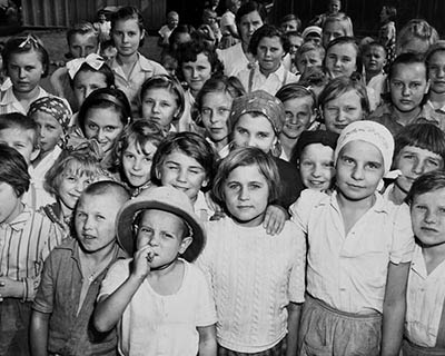 Polish children refugees in Santa Rosa, mexico